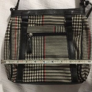 Brand New CHAPS purse. Houndstooth with red accent